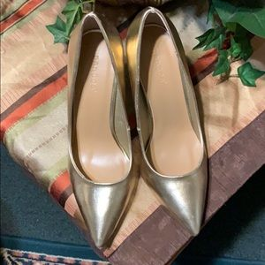 Sz 10 gold shoes by bamboo